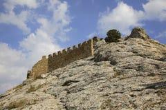 Gammalt Genoese århundrade för fästning XI i Sudak crimea ukraine royaltyfri foto