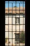 Gammalt glimmerfönster i Provence Fotografering för Bildbyråer