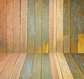 Gammalt grungeträvägg som används som bakgrund Royaltyfri Bild