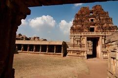 Gammalt hinduiskt tempel Royaltyfria Bilder
