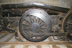 Gammalt hjul för drev för ångamotor royaltyfria foton
