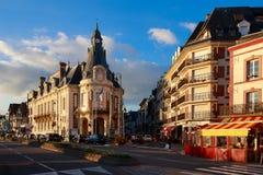 Gammalt hotell i Trouville, Normandie, Frankrike Royaltyfria Bilder
