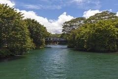 Gammalt hårdna överbryggar över öppning i Hilo Royaltyfria Foton