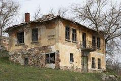 Gammalt hus i Bulgarien Royaltyfria Bilder
