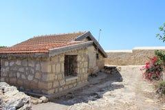 Gammalt hus i Cypern Royaltyfri Bild