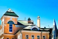 Gammalt hus i mitten av Moskva Arkivbilder