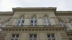 Gammalt hus med den härliga fasaden lager videofilmer