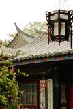 Gammalt hus med den härliga lyktan Royaltyfri Foto