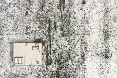 Gammalt hus med mögliga väggar Royaltyfri Bild