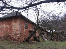 Gammalt hus nära Grza Royaltyfri Fotografi