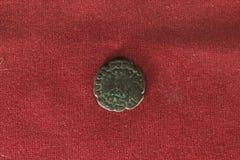 Gammalt indiskt mynt Arkivfoton