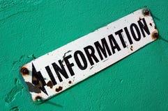Gammalt informationstecken Arkivfoton