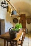 gammalt kök mycket fotografering för bildbyråer