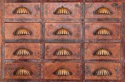Gammalt kabinett för kinesisk medicin Arkivfoto