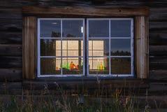 Gammalt kabinfönster Royaltyfri Foto
