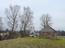 Gammalt kapell på kullen, Litauen Royaltyfri Fotografi