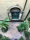 Gammalt klassiskt fönster royaltyfri bild