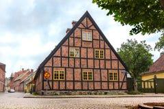 Gammalt korsvirkes- hus i Lund Arkivbilder