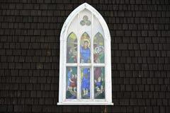 Gammalt kyrkligt fönster Arkivfoton