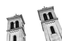 Gammalt kyrkligt torn två i svart vit, abstrakt sikt - Transylvania Royaltyfria Bilder