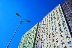 Gammalt lägenhetbyggande Arkivfoton