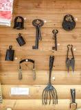 Gammalt lås, tangenter och andra objekt Royaltyfri Bild
