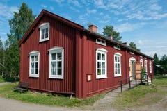 Gammalt lantbrukarhem i nordliga Sverige Royaltyfria Bilder