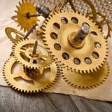 Gammalt mekaniskt klockakugghjul Royaltyfri Fotografi