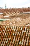 gammalt moroccan tegelplattatak för minaret i Royaltyfri Foto