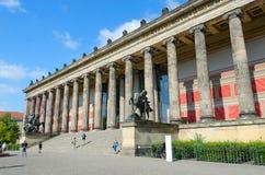 Gammalt museum på den berömda museumön i Berlin, Tyskland fotografering för bildbyråer