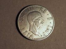 Gammalt mynt för italiensk Lira med den Vittorio Emanuele III konungen Arkivfoton