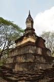 Gammalt och fördärva pagoden Arkivbild