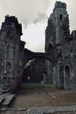 Gammalt och spökat fördärvar Llanthony priorskloster, Abergavenny, Monmouthshire, Wales, UK Arkivbild