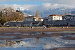 Gammalt olympic åka skridskor spår i Grenoble Arkivbilder