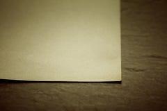 Gammalt paper ark Arkivfoto