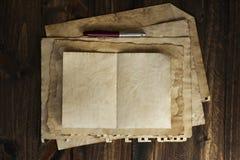 Gammalt papper, brun wood textur Royaltyfria Bilder
