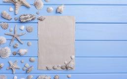 Gammalt papper på blåa bräden seamless tema för blått marin- hav Royaltyfri Bild