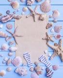 Gammalt papper på blåa bräden seamless tema för blått marin- hav Royaltyfria Foton