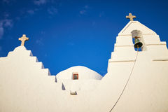 Gammalt Paraportiani 14 århundrade kyrkliga Mykonos i Grekland Royaltyfria Foton