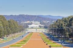 Gammalt parlamenthus och nytt parlamenthus i Canberra arkivfoto
