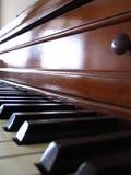 gammalt piano Arkivbilder