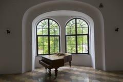 gammalt piano Arkivbild