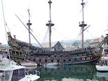 Gammalt piratkopiera skeppet i Italien Royaltyfri Bild