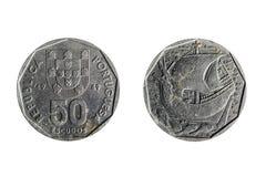 Gammalt portugisiskt mynt av femtio sköldar Arkivbild