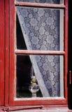 gammalt rött fönster Royaltyfri Bild