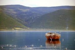 Gammalt rött fartyg Royaltyfri Foto