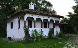 Gammalt renoverat hus Arkivfoto