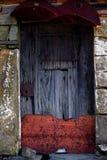 gammalt rostigt för dörr Royaltyfri Foto