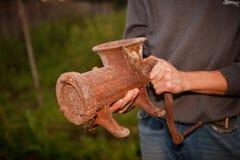 gammalt rostigt för grindermeat arkivfoton