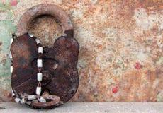 gammalt rostigt för key lås Arkivbilder